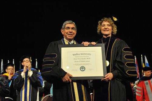 Oscar Arias Sanchez Praises Walden University Graduates for Their Decision to Further Their