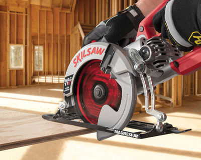 SKIL is pleased to announce the newest product in the SKILSAW heritage - the MAG77LT. The lightest worm drive saw ever, the MAG77LT is 4 lbs. lighter and delivers the same power and durability users have come to expect when buying a SKILSAW.