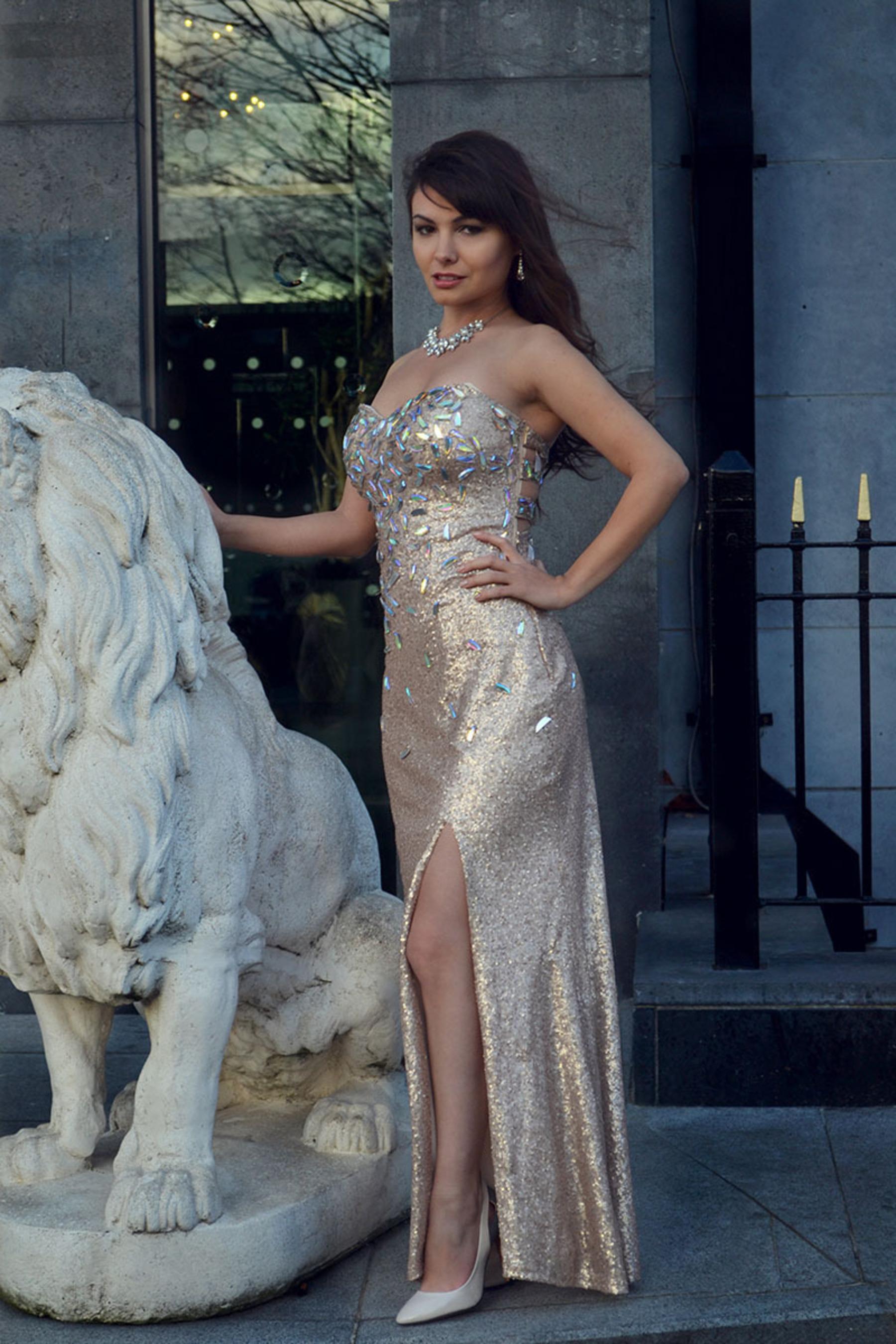 Georgie - Elegant Custom Made Prom Dress.  (PRNewsFoto/Laila Monroe)