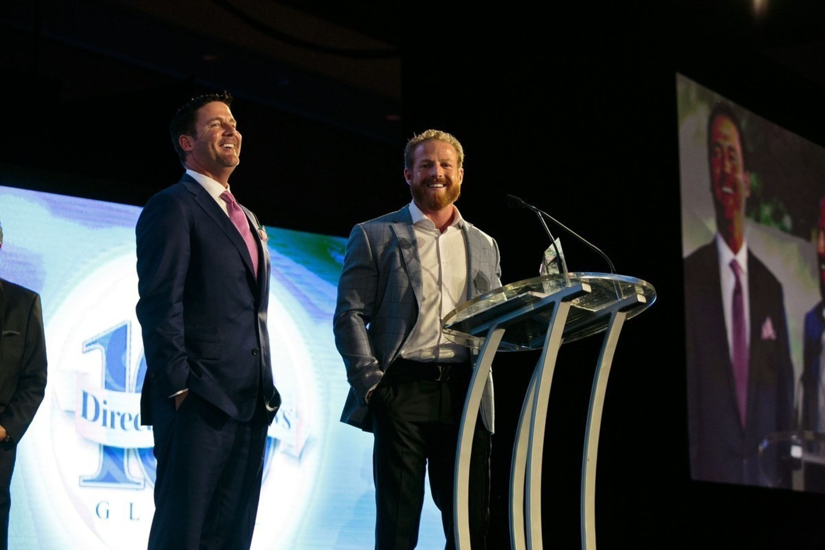 Le-Vel Co-CEOs, Co-Founders and Co-Owners Paul Gravette and Jason Camper accept the 2016 Bravo Growth Award during the DSN Global 100 Celebration, sponsored by SUCCESS Partners and held April 7 at Dallas' Omni Hotel.