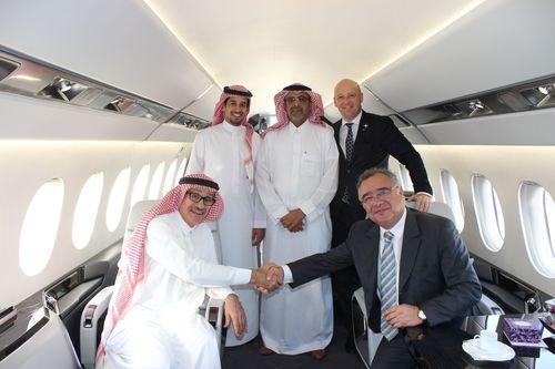 Dassault Aviation and Wallan Aviation Extend Relationship with New Falcon 5X Agreement (PRNewsFoto/Dassault Aviation)