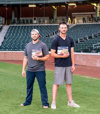 Kris Bryant and Mike Moustakas for STOUFFER'S FIT KITCHEN