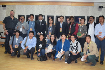 Sandeep Marwah with the distinguished guests