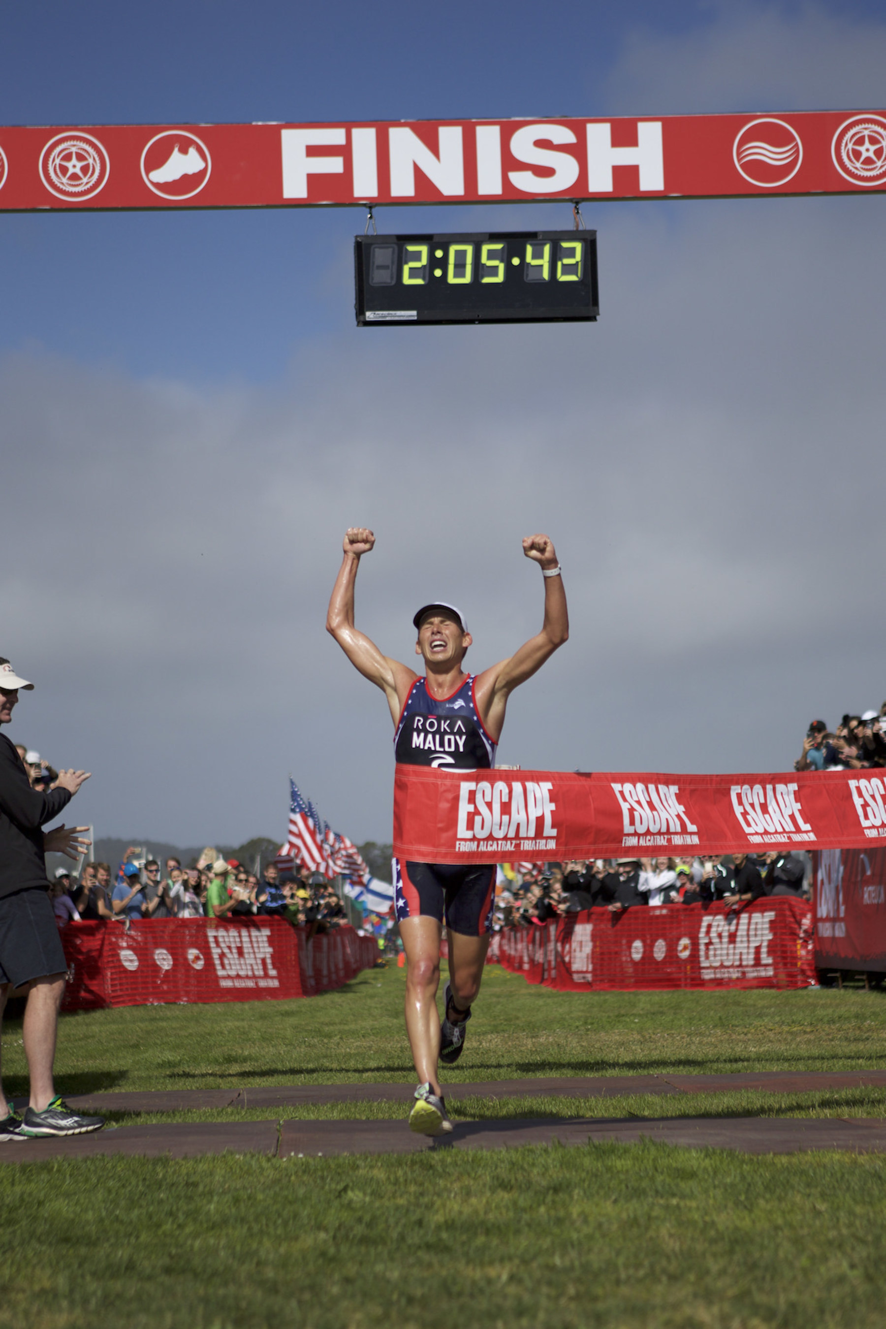 Joe Maloy wins 2016 Escape from Alcatraz Triathlon