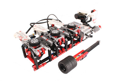 An arcade-style game bonus model created by a LEGO(R) MINDSTORMS(R) EV3 Expert Panel member.  (PRNewsFoto/LEGO MINDSTORMS)