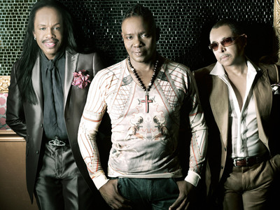 Earth, Wind & Fire, Gladys Knight, Jeffrey Osborne on board for second SOUL TRAIN CRUISE announced after first-ever SOUL TRAIN CRUISE sells out in just 75 days. Cruise departs October 5th from San Diego and also features The Whispers, Freddie Jackson, Jennifer Holliday, Sugarfoot's Ohio Players, Billy Paul, ConFunkShun and many more! Cabin sales begin September 27, 2012. Go to www.SoulTrainCruise.com. (PRNewsFoto/Time Life)