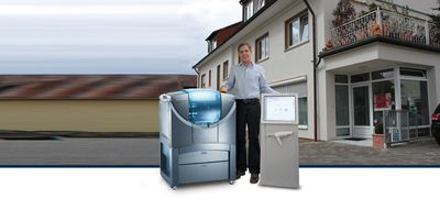 Markus Dohrn with his Stratasys Objet Eden250V 3D Printer