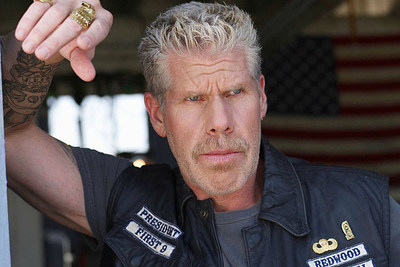 Ron Perlman Sons of Anarchy Star embraces the Carry the Challenge ONE campaign.