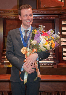 Longwood Gardens International Organ Competition winner Benjamin Sheen. Sheen, 23, from London, UK, is a graduate of The Juilliard School and won the Pierre S. du Pont First Prize of $40,000.  (PRNewsFoto/Longwood Gardens)