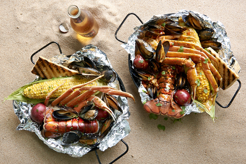 Joe's Crab Shack Beach Bakes (PRNewsFoto/Joe's Crab Shack)