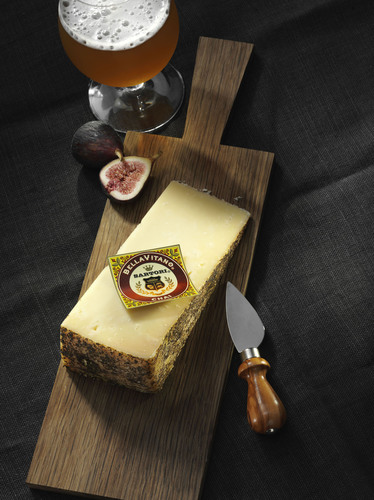 Sartori announces release of Reserve Chai BellaVitano cheese.  (PRNewsFoto/Sartori Cheese)
