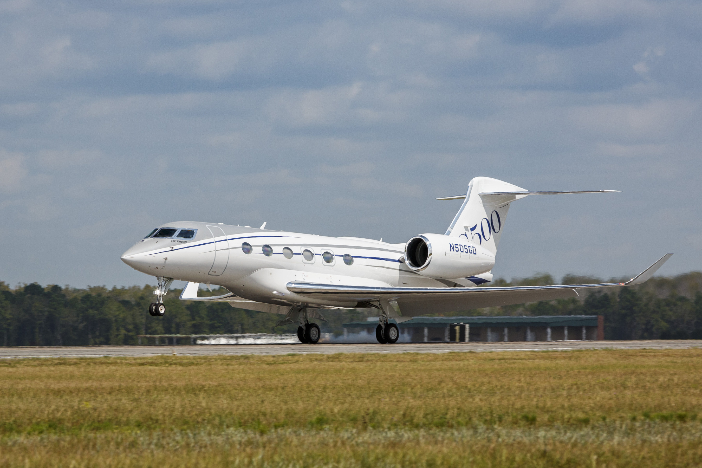 Gulfstream Aerospace Corp. today announced that the fifth Gulfstream G500 test aircraft has completed its first flight. The aircraft is the first production test aircraft to be outfitted with a full interior and serves as the testbed for the cabin.