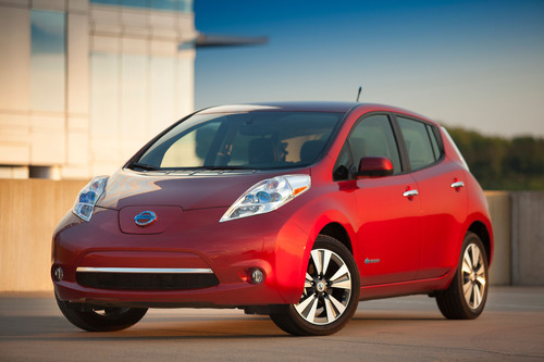 Nissan celebrates 35,000 deliveries of the all-electric LEAF on National Plug In Day.  (PRNewsFoto/Nissan North America)