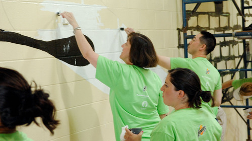 Bounty's 'Make a Clean Difference' Program Makes Its Final Stop in Cincinnati Wrapping Up a