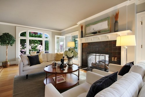 Realtors who use professional real estate photographs sell listed homes 32 percent faster than all other ...