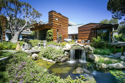 "CONCIERGE AUCTIONS ANNOUNCES THAT BIDDING IS CLOSED AND A SALE IS PENDING FOR 21900 BRIARBLUFF IN THE HILLS OF MALIBU. ""THE OASIS"" IN SANTA MONICA WILL NOW BE AUCTIONED WITHOUT RESERVE.  (PRNewsFoto/Concierge Auctions)"