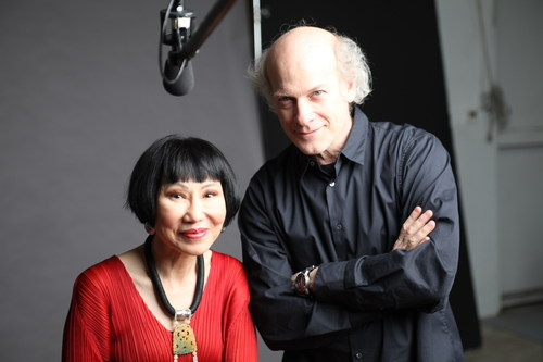 "Author Amy Tan (left) is one of 19 influential baby boomers featured in a new exhibit, ""The Boomer List: Photographs by Timothy Greenfield-Sanders,"" opening Sept. 26, 2014 at the Newseum in Washington, D.C. Award-winning photographer and filmmaker Timothy Greenfield-Sanders (right) (""The Black List,"" ""The Latino List"" and ""The Out List"") chose as his subjects boomers who reflect the depth, diversity and talent of their generation. (PRNewsFoto/Newseum)"