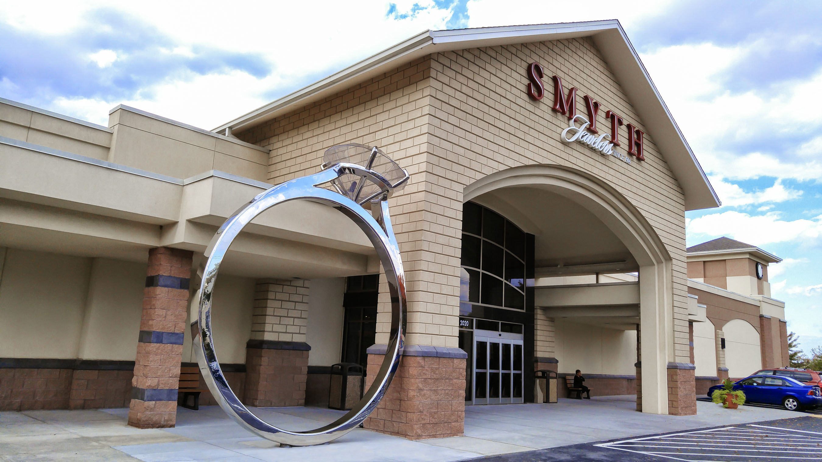 Smyth Jewelers, the largest jewelry retailer on the East Coast, and Uneek Fine Jewelry have taken the engagement ring to a whole new level of big.