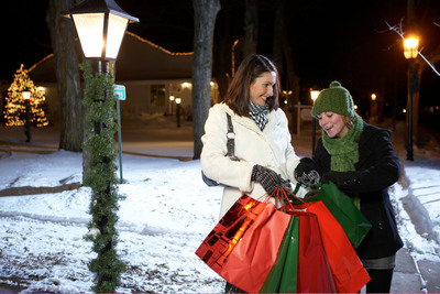Holiday shopping opportunities abound in Door County, WI at boutiques and galleries you won't find anywhere else. Photo credit: Door County Visitor Bureau/DoorCounty.com.