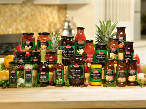 Spice Up the Big Game with Crosse & Blackwell(R) Premium condiments: kick game time entertaining up a notch. (PRNewsFoto/Crosse & Blackwell) (PRNewsFoto/CROSSE & BLACKWELL)