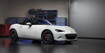 At the Chicago Auto Show, Mazda revealed a 2016 Mazda MX-5 Miata accessories design concept for the next-generation roadster that will hit showrooms this summer