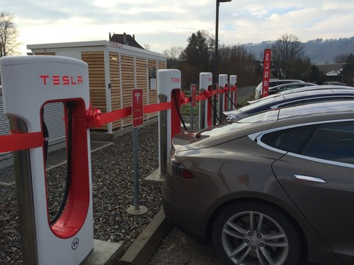 Opening ceremony of the new Tesla Supercharger in Rubigen (PRNewsFoto/Tesla) (PRNewsFoto/Tesla)