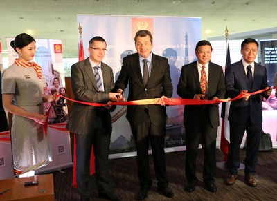 Hainan Airlines inaugurates Hangzhou-Xi'an-Paris route (By Li Xiaomin)