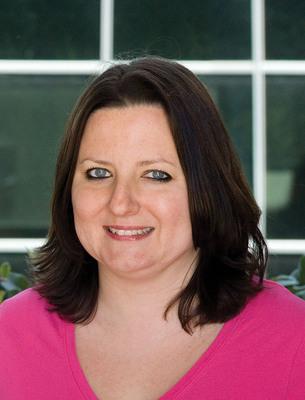 Daphne Allen, Editor, PMP News.  (PRNewsFoto/UBM Canon)