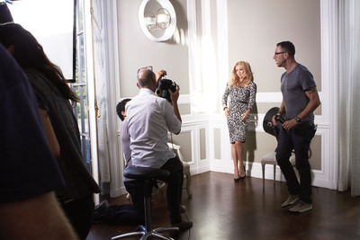 Kate Hudson and famed fashion photographer Tom Munro collaborate for Ann Taylor's Fall 2012 ad campaign photo shoot in Pasadena, California.  (PRNewsFoto/Ann Taylor)