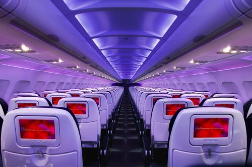 VIRGIN AMERICA LANDS LOVE: AIRLINE BRINGS NEW BUSINESS-FRIENDLY FLIGHTS TO DALLAS' LOVE FIELD (PRNewsFoto/Virgin America)