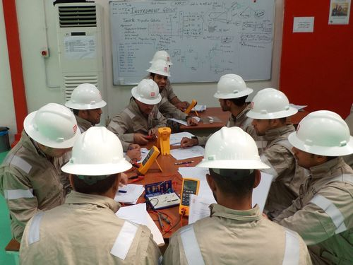 First group of students complete their studies in LUKOIL training center in Iraq