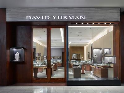 David Yurman Topanga Boutique exterior shot at Westfield Topanga, Canoga Park, California. (David Yurman, Jeffrey Totaro. (PRNewsFoto/David Yurman, Inc.)