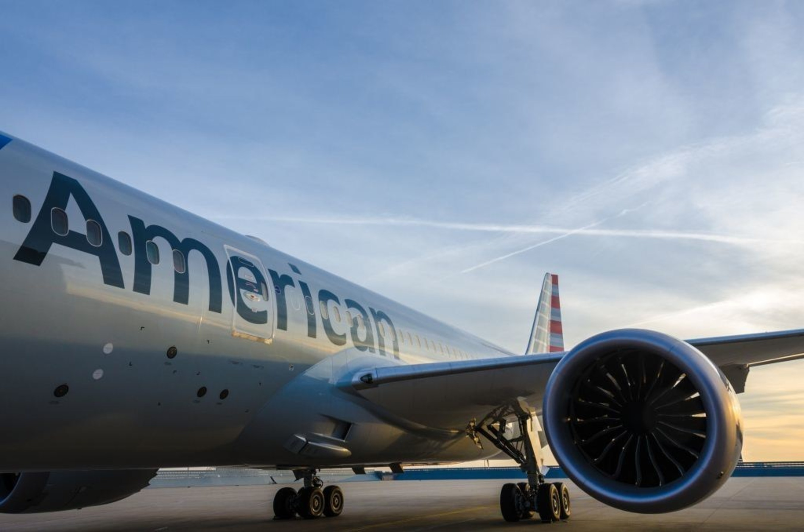 AMERICAN AIRLINES 787 EXTERIOR