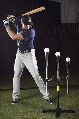 Evan Longoria using the SKLZ Pro X Tee.  (PRNewsFoto/SKLZ)