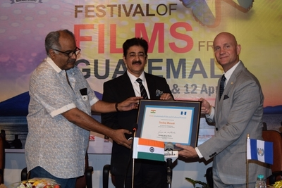 Sandeep Marwah Nominated as chairman of Indo-Guatemala Cultural Forum by Ambassador of Guatemala to India. (L-R) Mr. Boney Kapoor, Sandeep marwah and HE Georges de la Roche