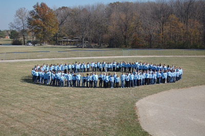 Nearly 200 Roche employees formed a Human Blue Circle in Indianapolis to show support for people around the world with diabetes. Photo courtesy of Cameron Dobson, Roche Diabetes Care.  (PRNewsFoto/Roche Diabetes Care)