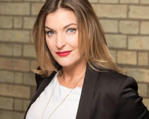 Kate Burns (PRNewsFoto/Dugout)