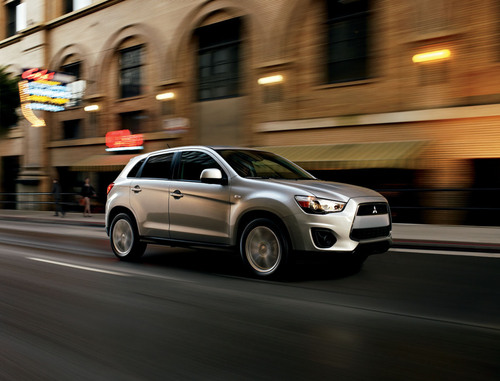 2013 Mitsubishi Outlander Sport Awarded Insurance Institute for Highway Safety's (IIHS) Highest Accolade: TOP SAFETY PICK+.  (PRNewsFoto/Mitsubishi Motors North America, Inc.)