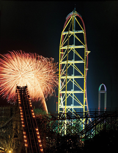Fireworks light up the night in front of Top Thrill Dragster at Cedar Point.  (PRNewsFoto/Cedar Point)