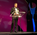David Royce accepting Ernst & Young Entrepreneur of the Year award