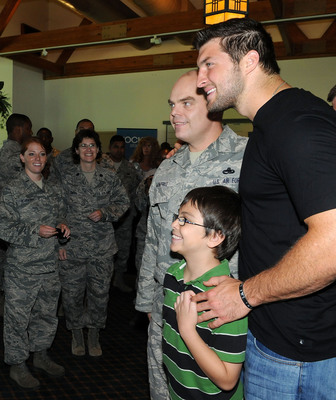 """On Friday, June 22, Jockey and Tim Tebow joined together at MacDill Air Force Base in Tampa to launch Jockey's """"Hot City Cool Down"""" campaign. The campaign celebrates the company's staycool line of innovative underwear.  (PRNewsFoto/Jockey International, Inc.)"""