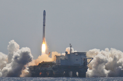 Launch of EUTELSAT 70B.  Credit Sea Launch.  (PRNewsFoto/Sea Launch AG)