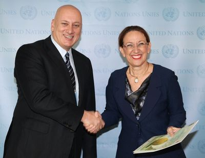 From left to right: Sureyya Ciliv; Turkcell CEO, Rebecca Grynspan, UN Under-Secretary General and UNDP Associate Administrator