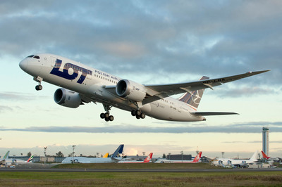 LOT Polish Airlines First Dreamliner Takes Off On Delivery Flight from Everett, Wash. to Warsaw, Poland.  LOT is first European carrier to operate this new B-787.  (PRNewsFoto/LOT Polish Airlines)