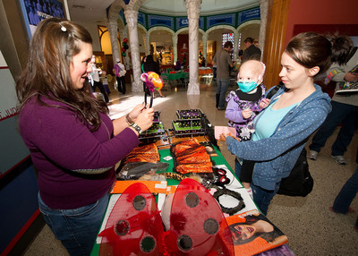 Disney & Claire's present Spook-tacular for patients and their families at St. Jude Children's Research Hospital(R).  (PRNewsFoto/Claire's Stores, Inc.)