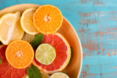 Foods rich in vitamin C can cut the risk of cataract progression by a third, a new study says.