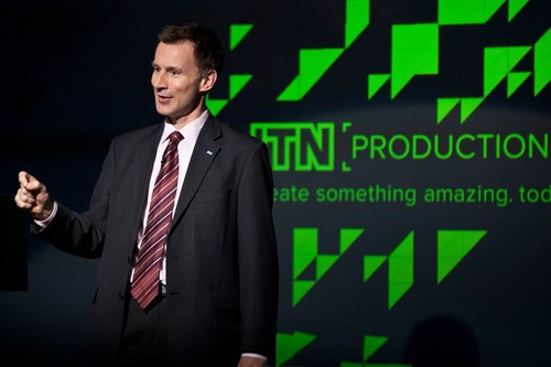 Secretary of State for Health Jeremy Hunt paying tribute to NHS Alliance outgoing chairman Dr. Michael Dixon at the NHS Alliance 'Vision for the Future' event hosted by ITN Productions. (PRNewsFoto/NHS Alliance) (PRNewsFoto/NHS Alliance)