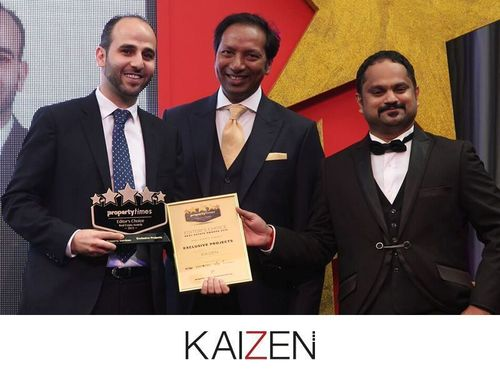 Mr. Fadi Nwilati, CEO of KAIZEN Property Services, receiving the Property Times Editor's Choice award for Exclusive Projects in Dubai (PRNewsFoto/KAIZEN Property Services)