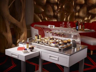 Dim sum dessert cart from pastry chef Kimberly Valdez.  (PRNewsFoto/Wynn Las Vegas)
