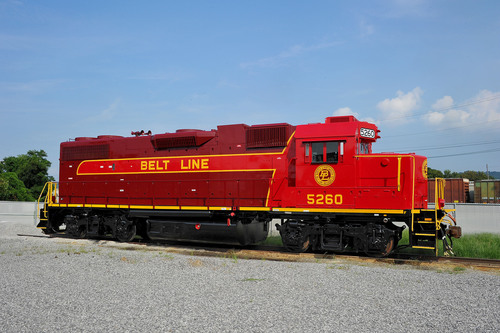 NPBL 5260 sports a fresh paint job in the terminal railroad's vintage livery.  (PRNewsFoto/Norfolk Southern  ...